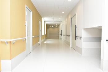 19病院棟4階 病棟廊下